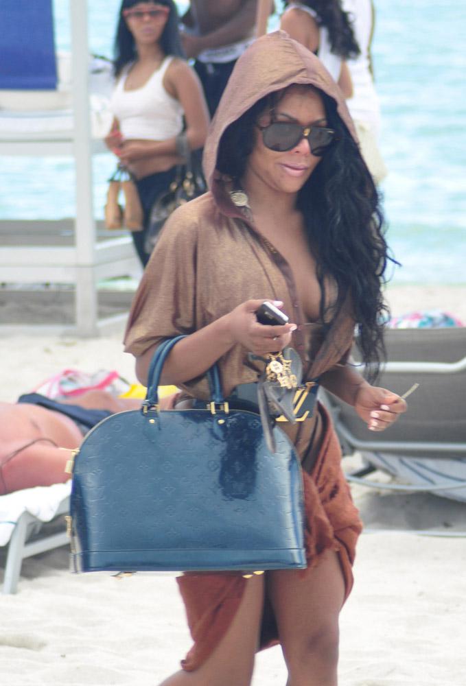 Celebrity Beach Bags 42