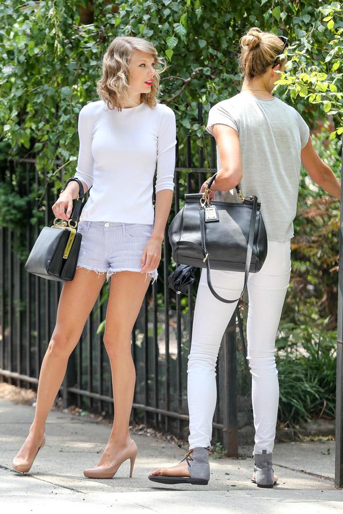 Taylor Swift Dolce & Gabbana Agata Bag Karlie Kloss Dolce & Gabbana Sicily Bag-1