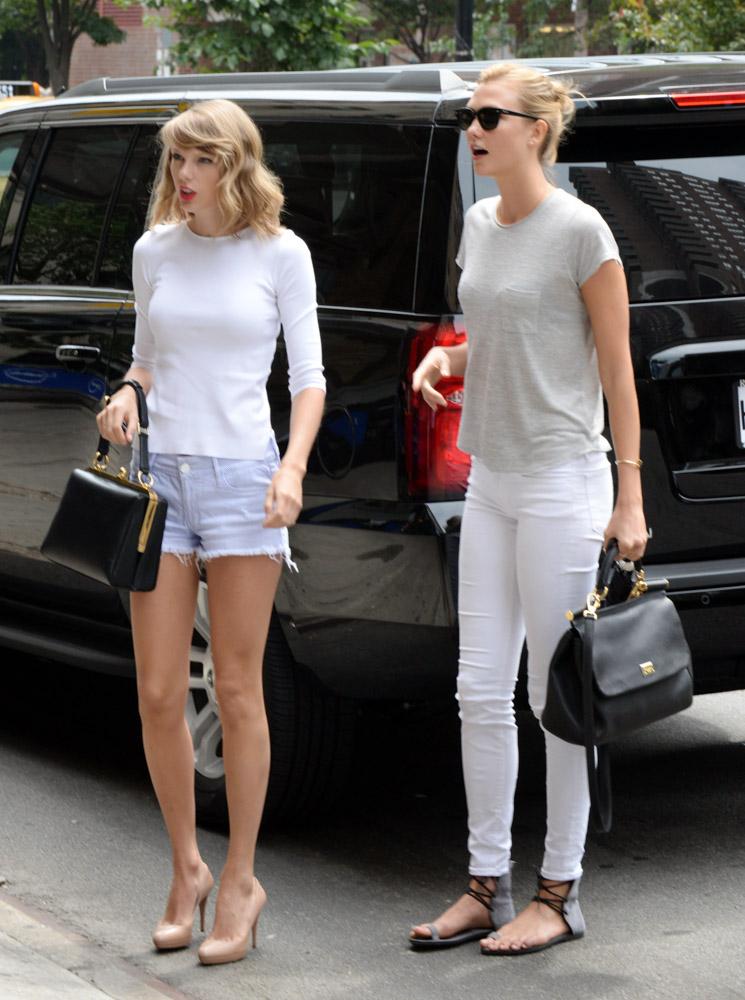 Taylor Swift Dolce & Gabbana Agata Bag Karlie Kloss Dolce & Gabbana Sicily Bag-2