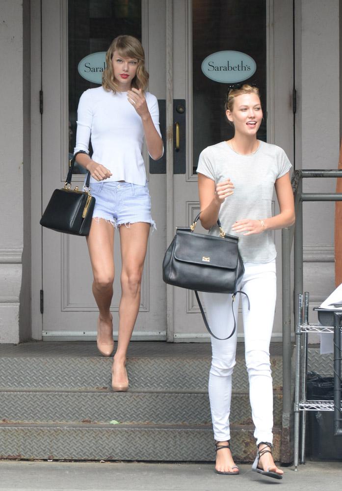 Taylor Swift Dolce & Gabbana Agata Bag Karlie Kloss Dolce & Gabbana Sicily Bag-3