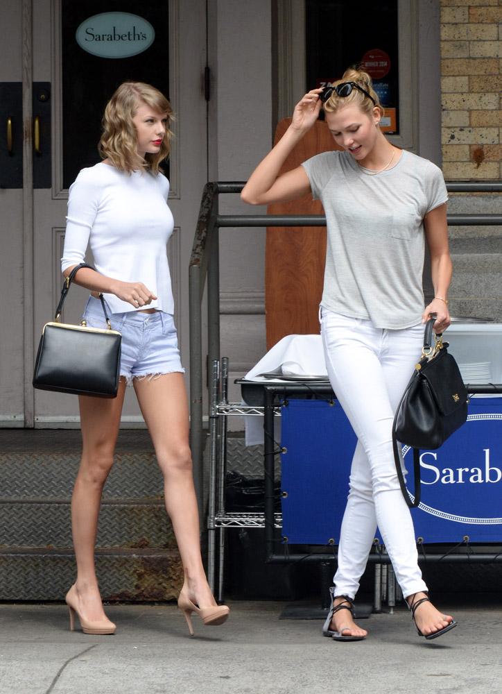 Taylor Swift Dolce & Gabbana Agata Bag Karlie Kloss Dolce & Gabbana Sicily Bag-4