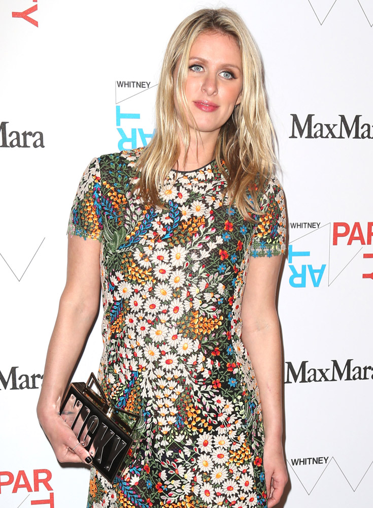 The Many Bags of Nicky Hilton Part 2-18