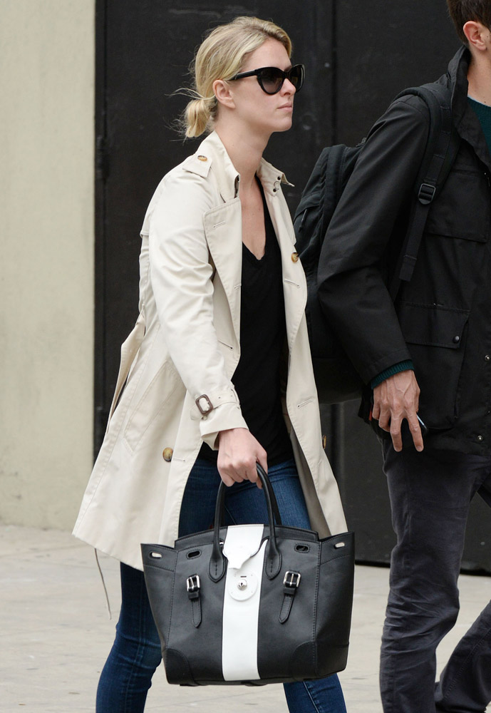 The Many Bags of Nicky Hilton Part 2-19