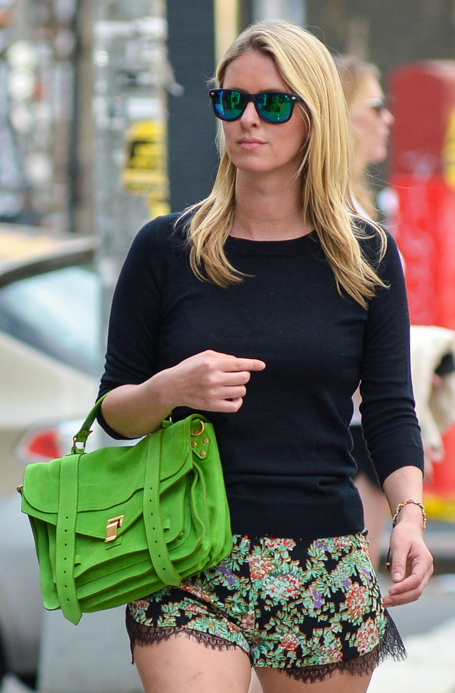 The Many Bags of Nicky Hilton Part 2-22