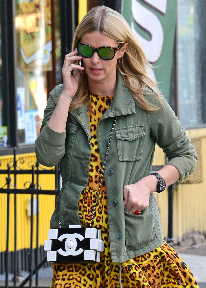 The Many Bags of Nicky Hilton Part 2-23
