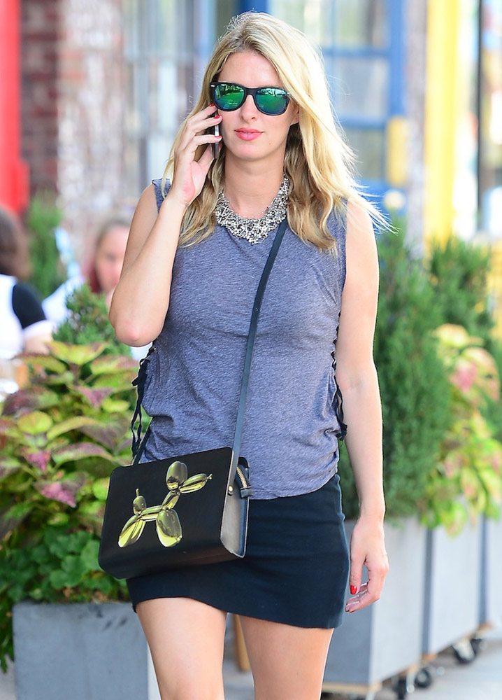 The Many Bags of Nicky Hilton Part 2-27