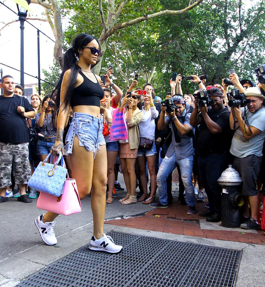 Rihanna Christian Dior Lady Dior Bag Christian Dior Addict Tote-1