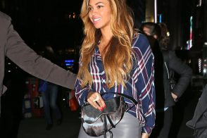 Beyonce Pulled a Dior Saddle Bag From the Back of Her Closet