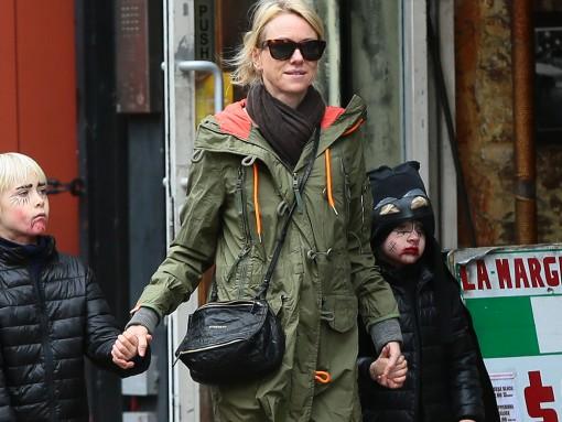 Naomi Watts Givenchy Small Pandora Bag