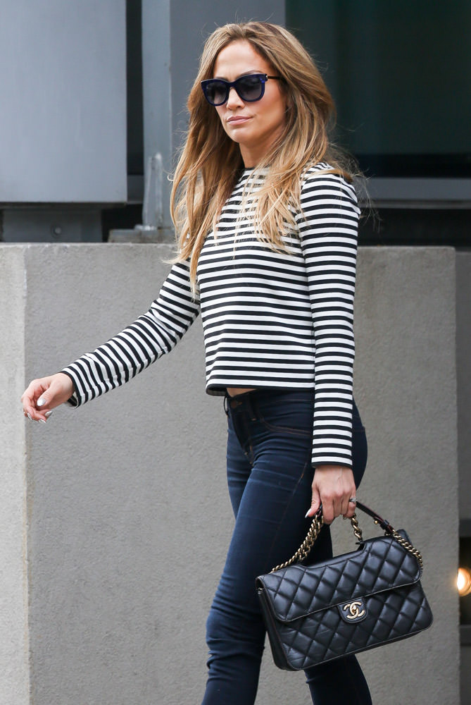 50 Celebrities Carrying Chanel BaGS-12