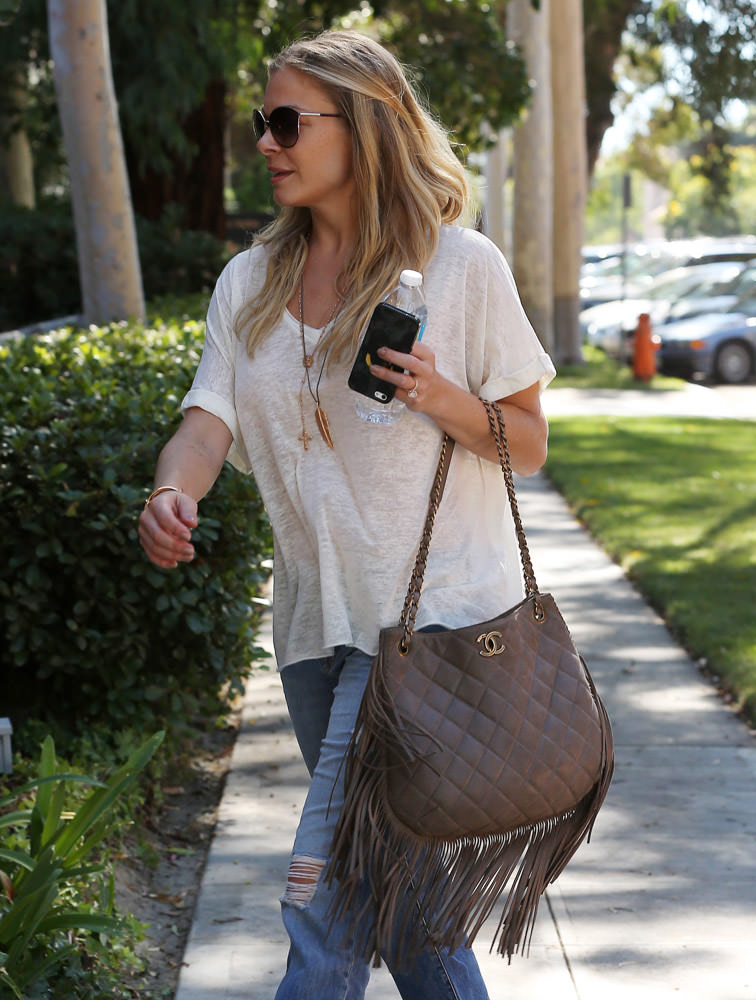 50 Celebrities Carrying Chanel BaGS-18