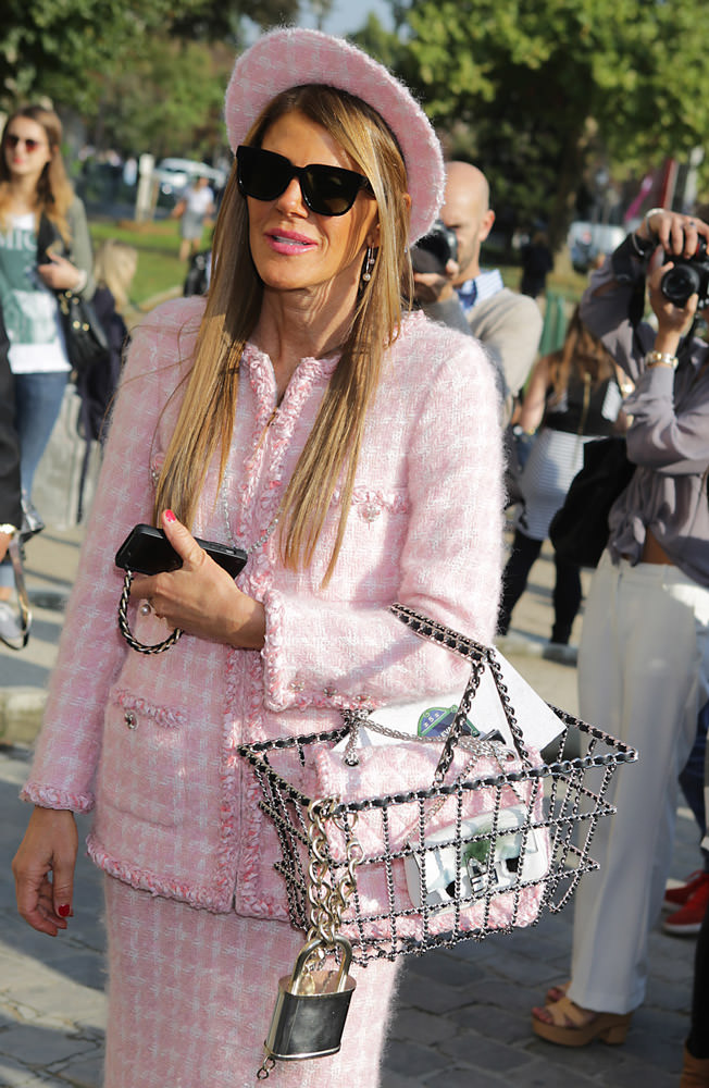 50 Celebrities Carrying Chanel BaGS-33