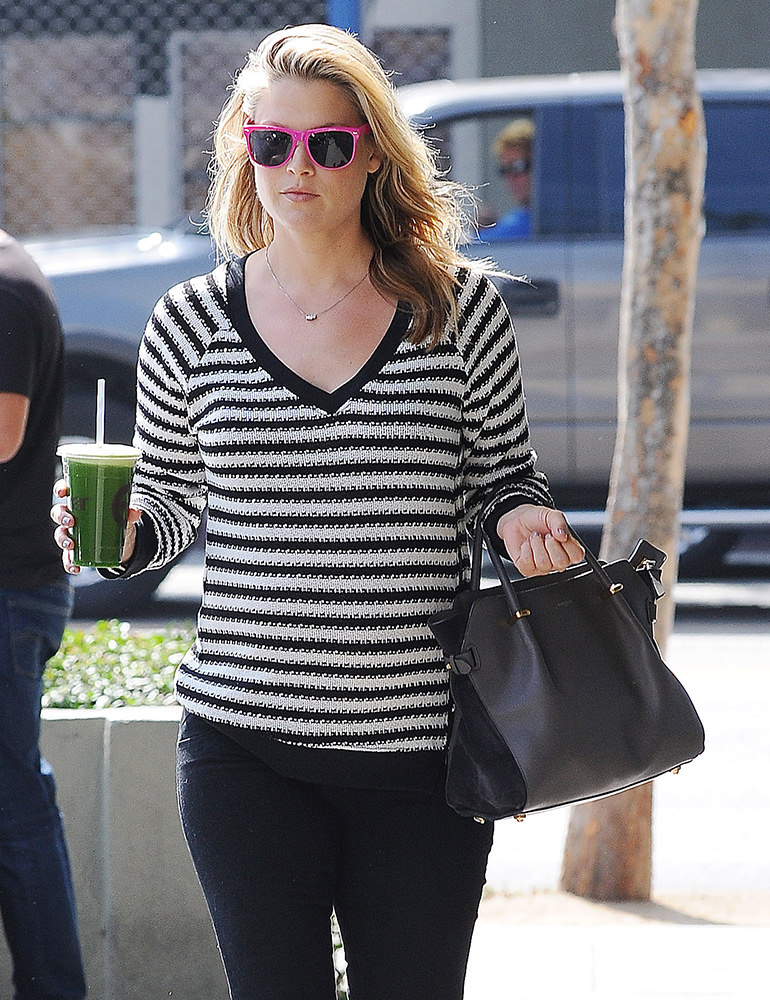 Ali Larter stops at Earthbar for some fresh juice in West Hollywood ****NO DAILY MAIL SALES****