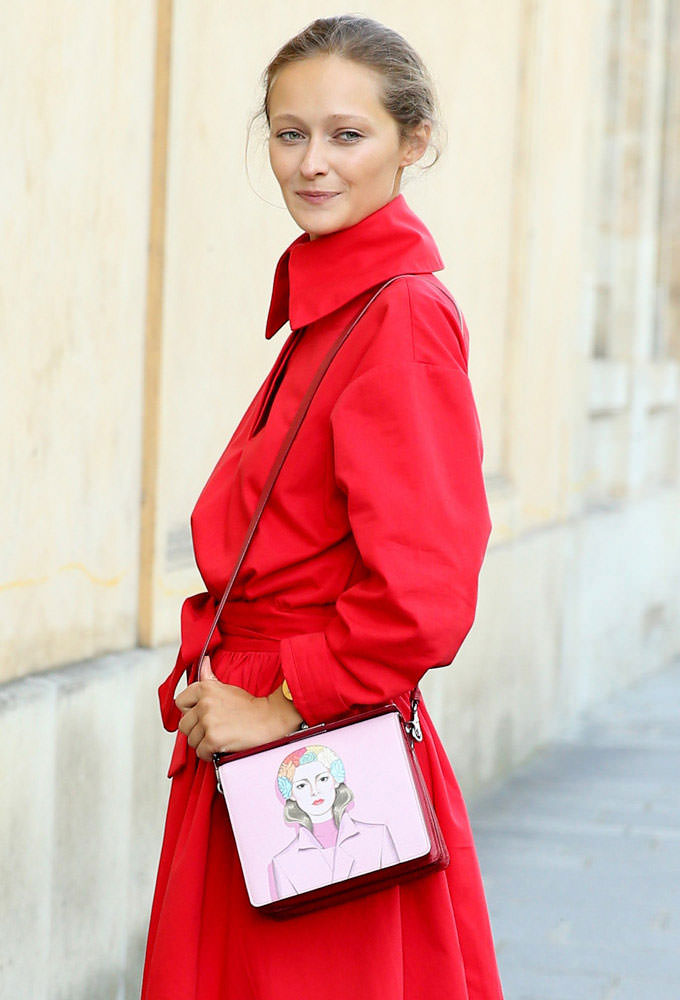 Daria-Shapovalova-Prada-Face-Shoulder-Bag