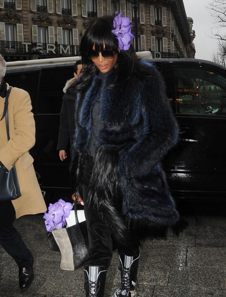 Naomi-Campbell-Givenchy-Obsedia-Bag