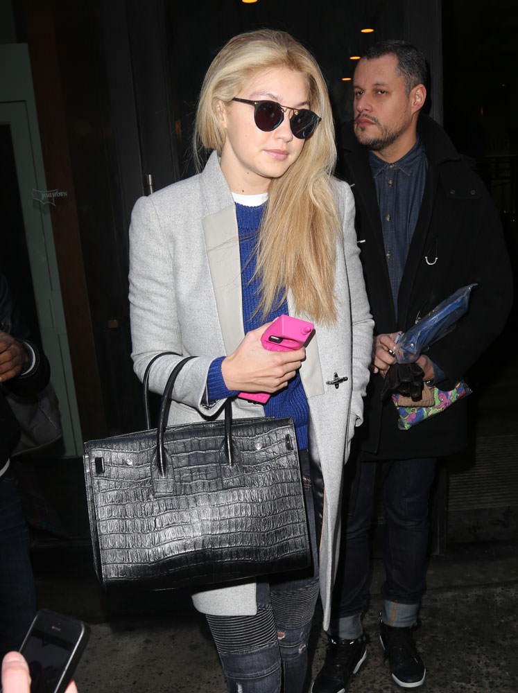 ysl roady bag - 33 Stars Who Love Their Saint Laurent Sac de Jour Bags - PurseBlog