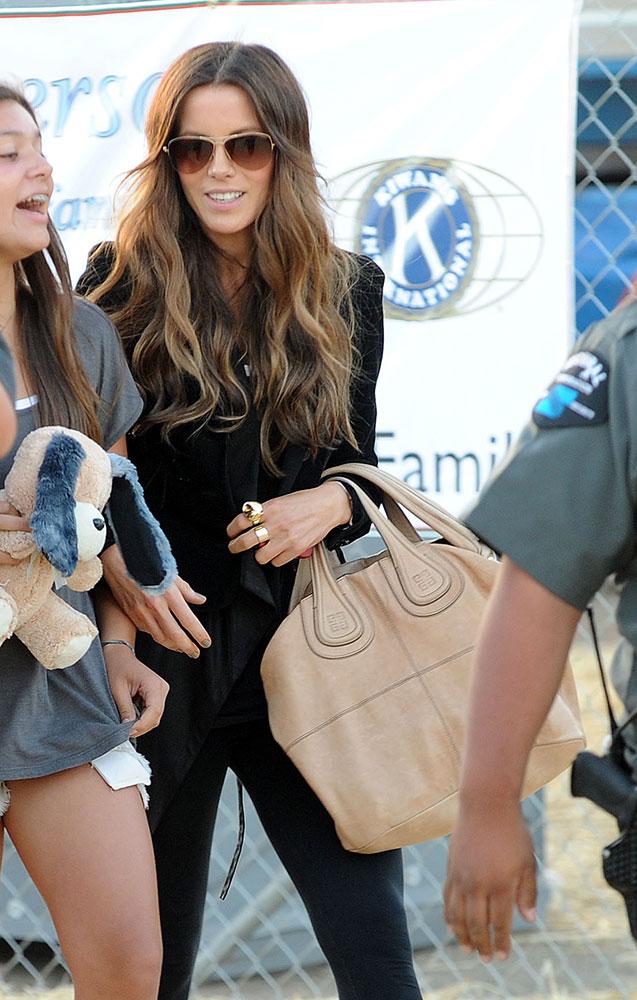 Kate-Beckinsale-Givenchy-Nightingale-bag