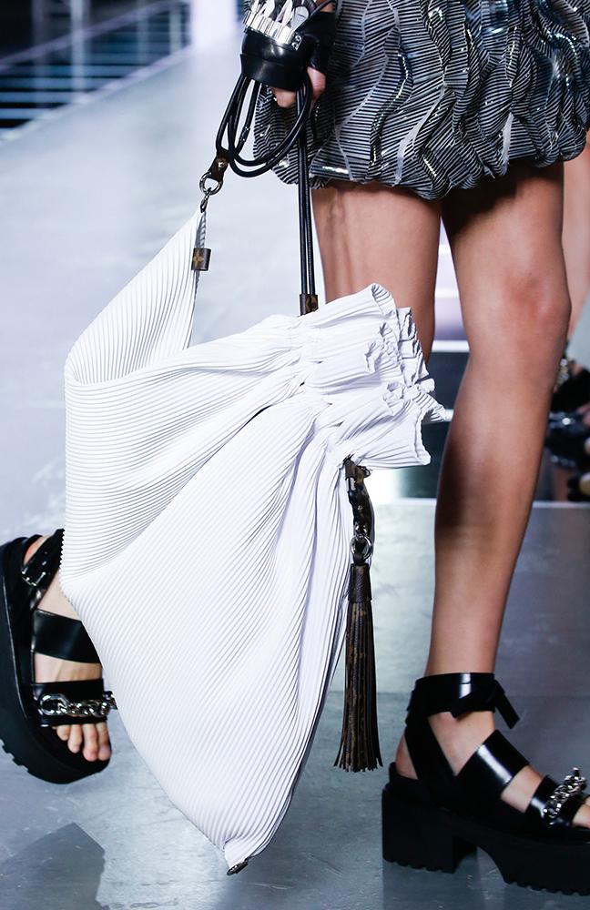 Louis-Vuitton-Spring-2016-Bags-14