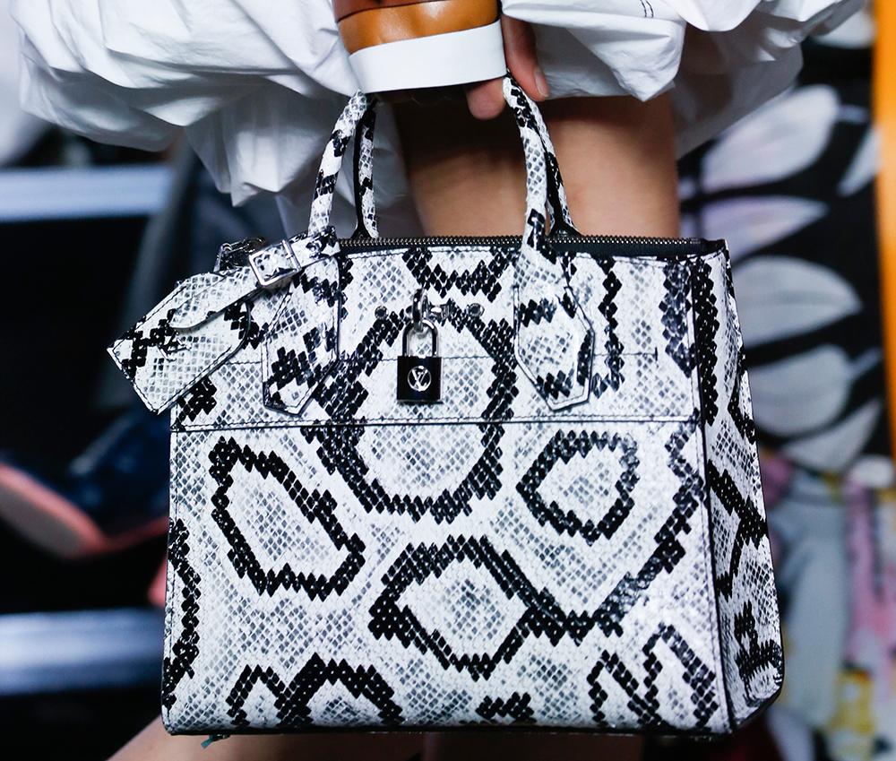 Louis-Vuitton-Spring-2016-Bags-16