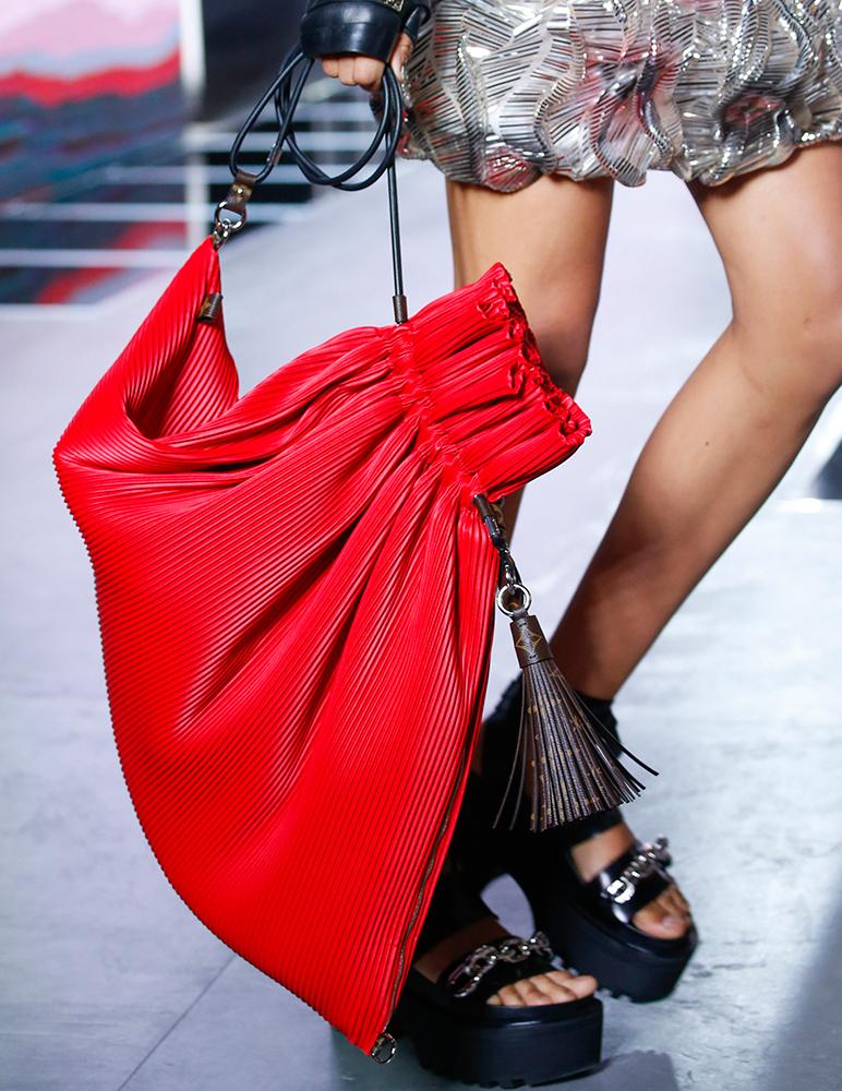 Louis-Vuitton-Spring-2016-Bags-18