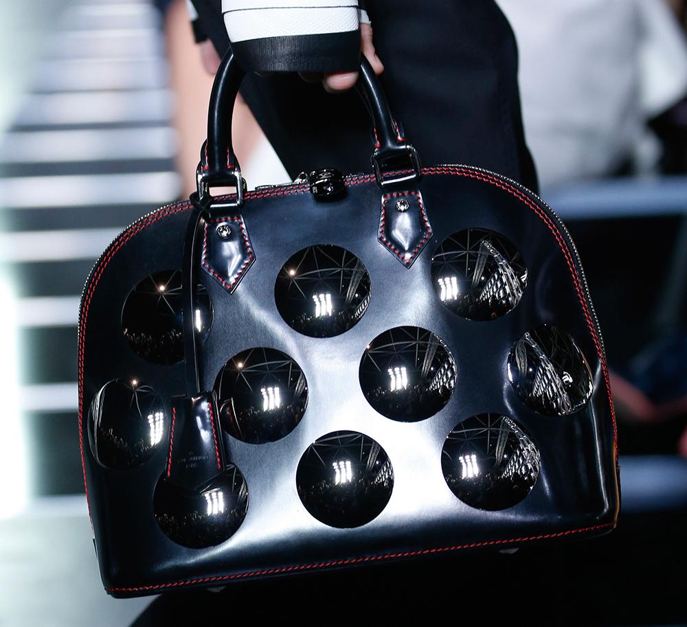 Louis-Vuitton-Spring-2016-Bags-20