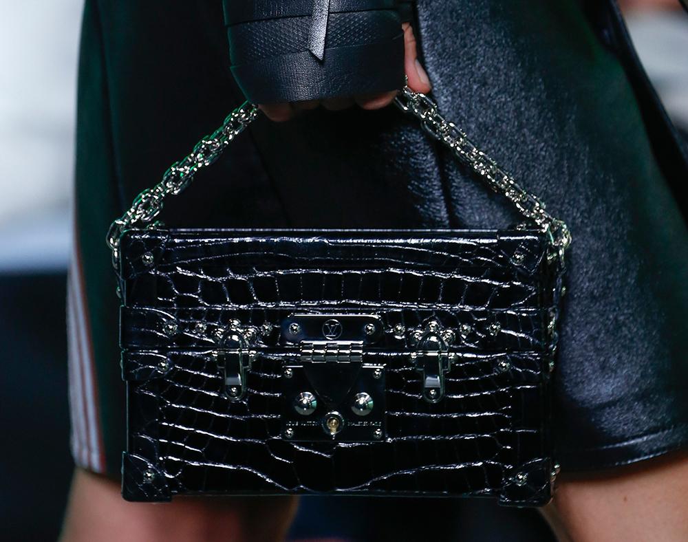 Louis-Vuitton-Spring-2016-Bags-28