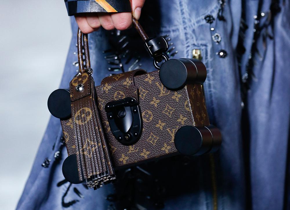 Louis-Vuitton-Spring-2016-Bags-29