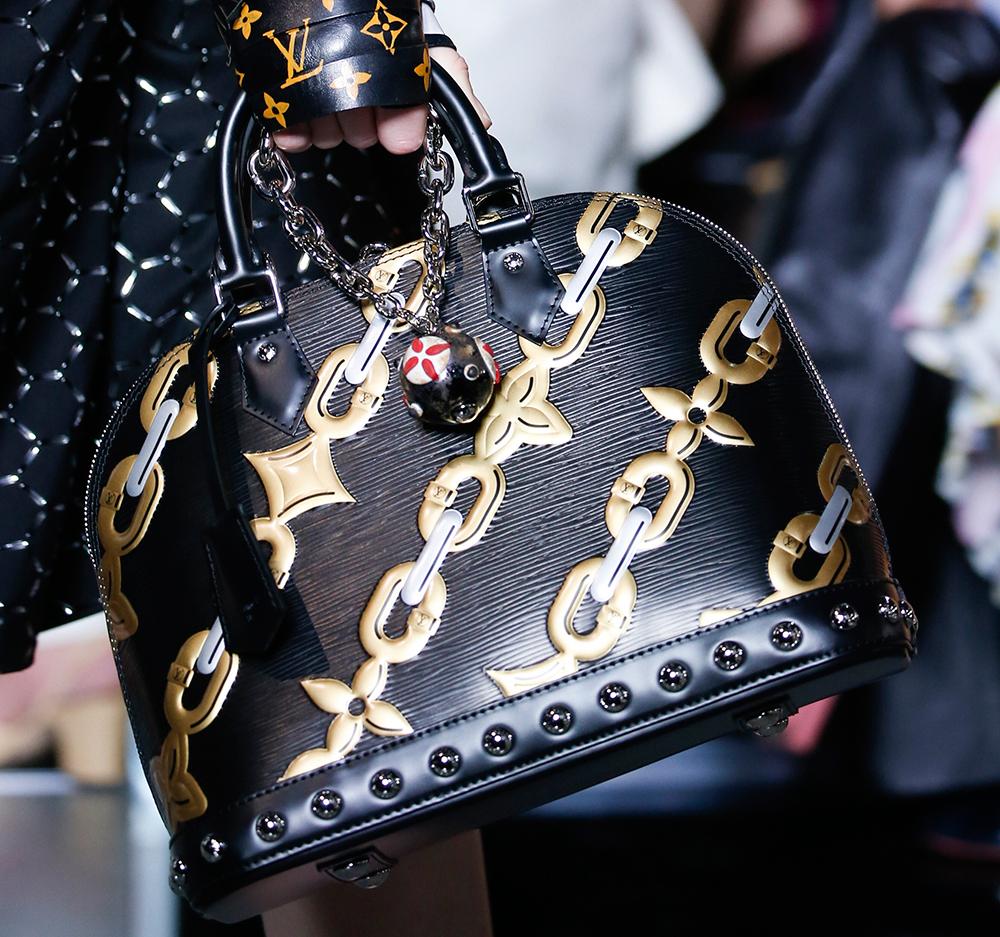 Louis-Vuitton-Spring-2016-Bags-6