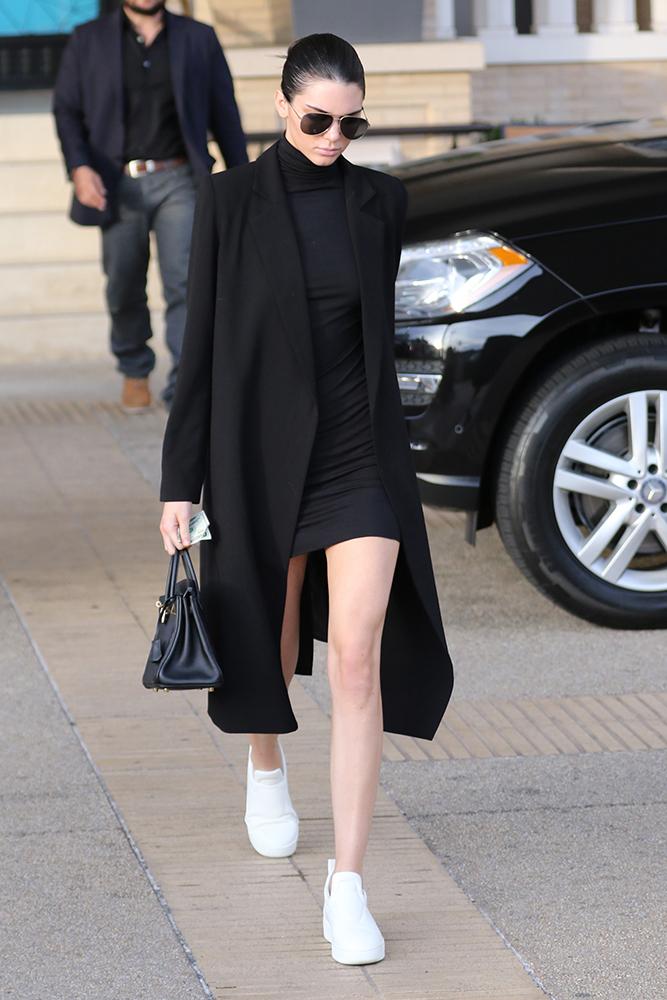 In Praise Of Kendall Jenner S Tiny Herm 232 S Birkin Purseblog