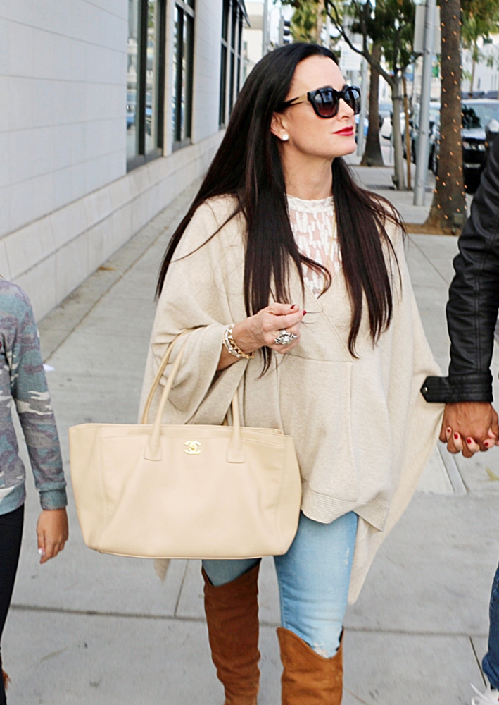 Kyle-Richard-Chanel-Cerf-Tote