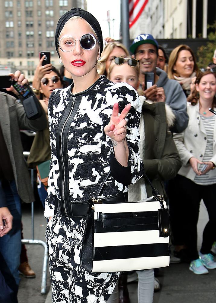 Lady-Gaga-Valentino-My-Rockstud-Top-Handle-Bag