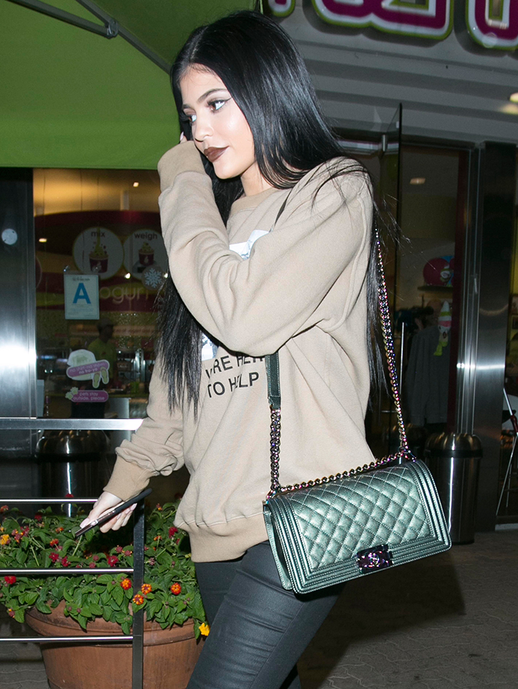 Kylie-Jenner-Chanel-Boy-Bag