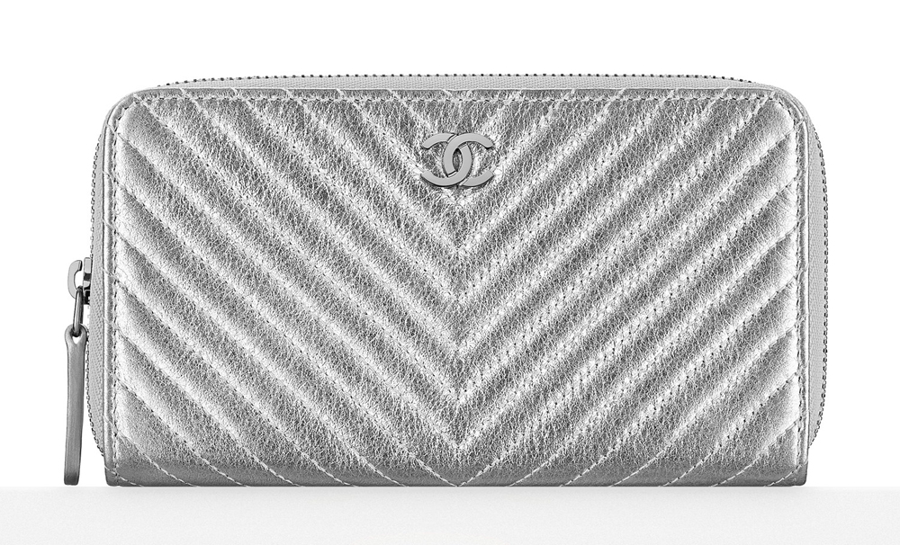 Chanel-Chevron-Zipper-Wallet-700