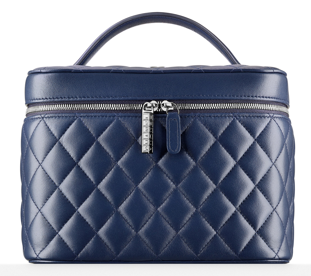 Chanel-Quilted-Vanity-Pouch-1525