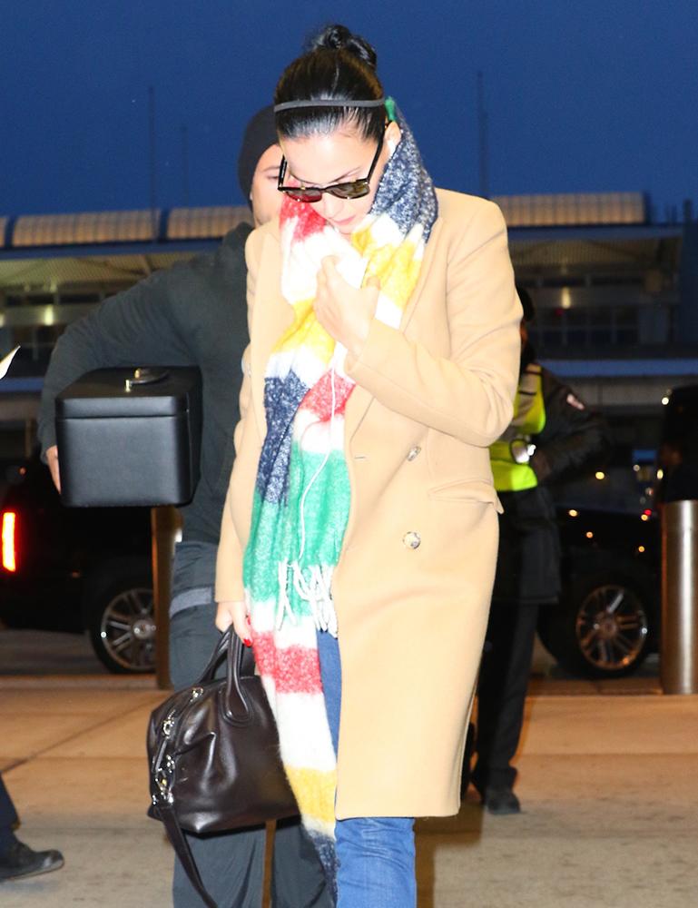 Katy-Perry-Givenchy-Nightingale-Bag
