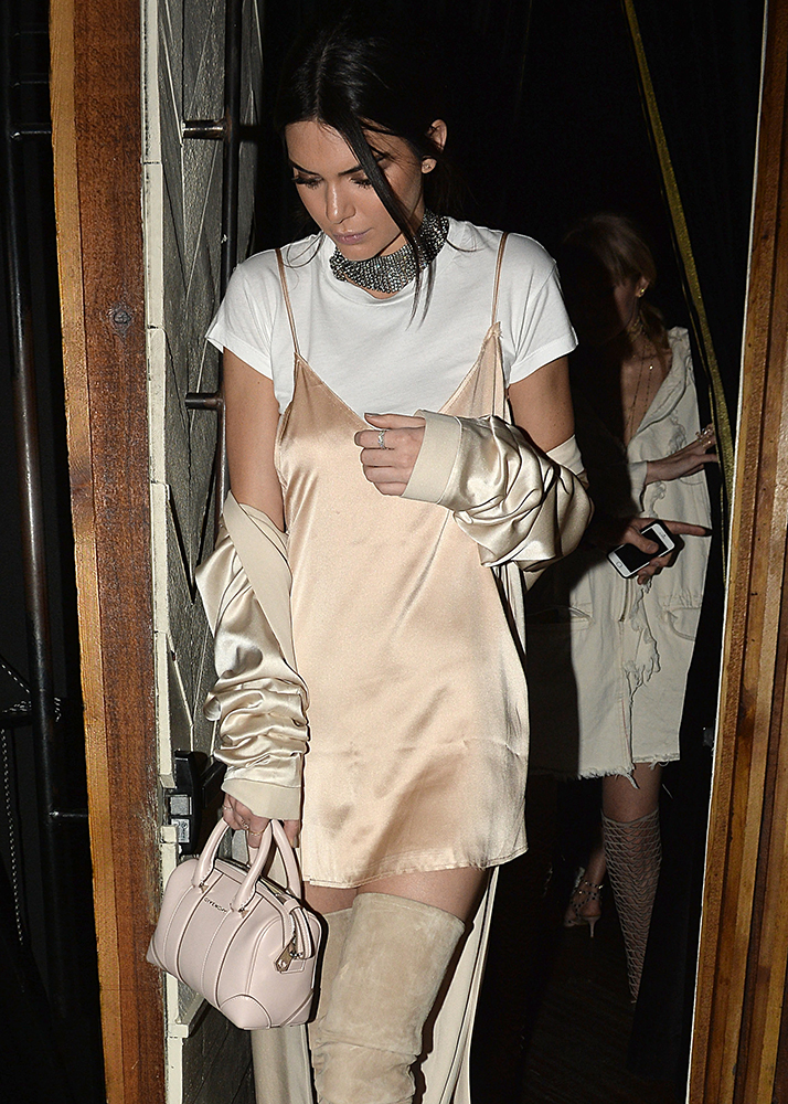 Kendall-Jenner-Givenchy-Micro-Lucrezia-Bag