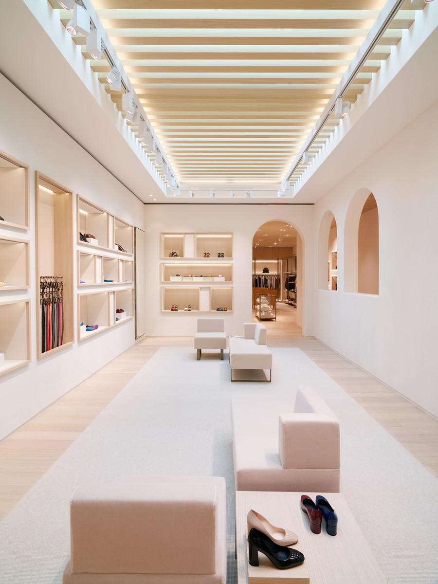 Bottega veneta opens the beverly hills maison and for Maison brand