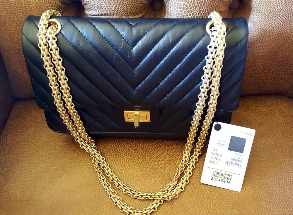 Chanel-255-Chevron-Flap-Bag
