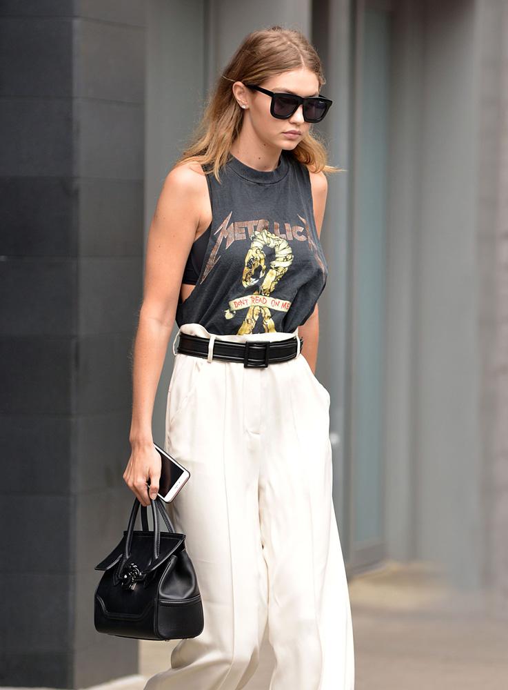 Gigi-Hadid-Versace-Mini-Palazzo-Empire-Bag