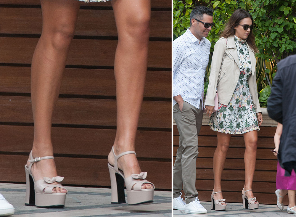Jessica-Alba-Saint-Laurent-Candy-Platform-Sandals