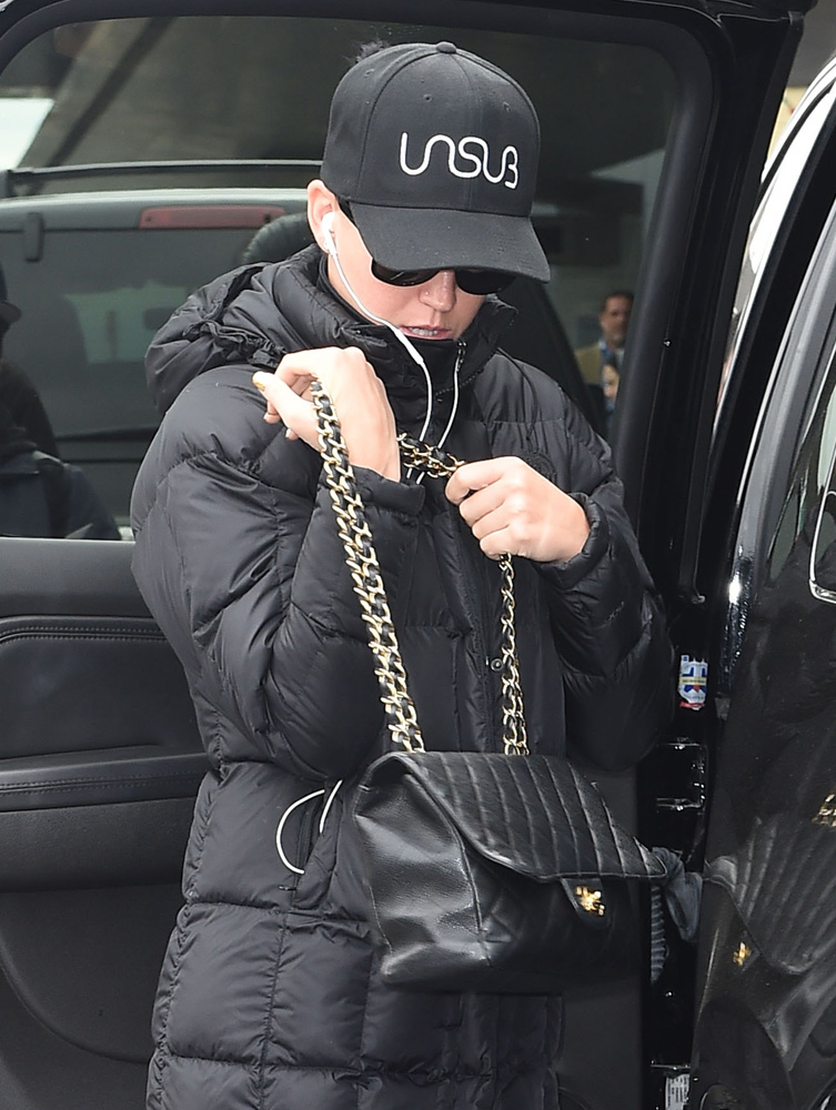 Katy-Perry-Chanel-Classic-Flap-Bag