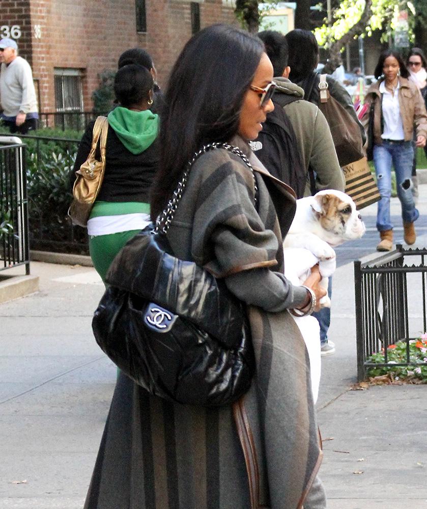 Jada-Pinkett-Smith-Chanel-Soft-Flap-Bag