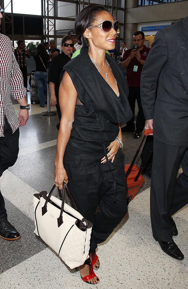 Jada-Pinkett-Smith-Louis-Vuitton-W-Bag