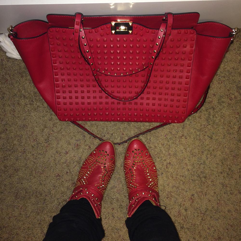 tPF Member: Piarpreet Bag: Valentino Rockstud Studded Tote Shop: Similar styles via Nordstrom