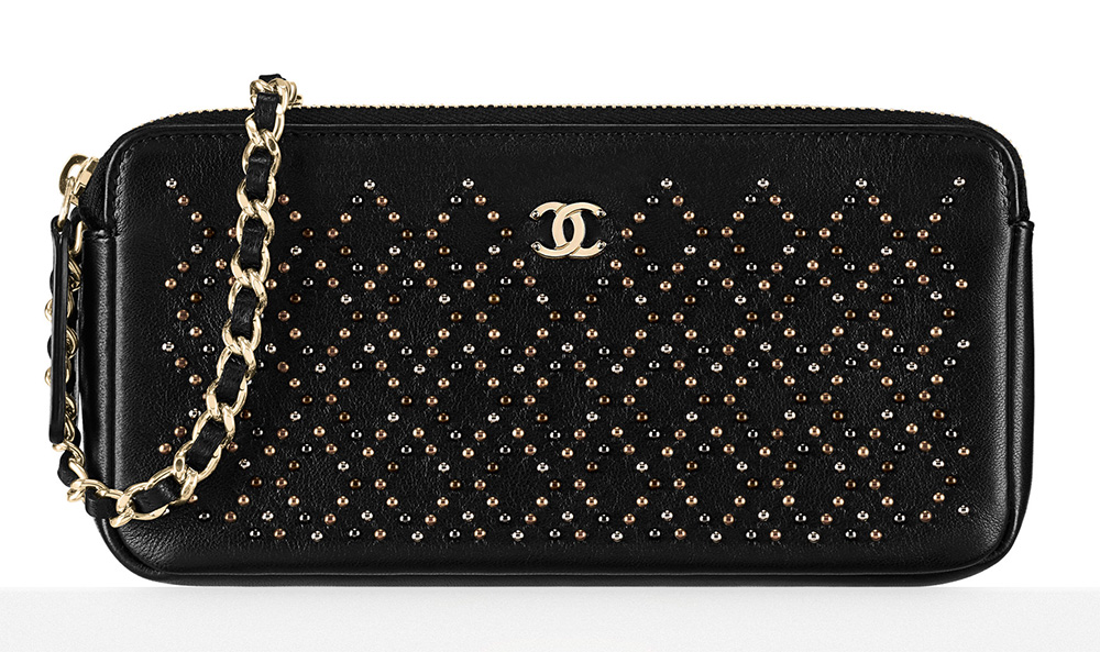 Chanel-Studded-Small-Clutch-1900