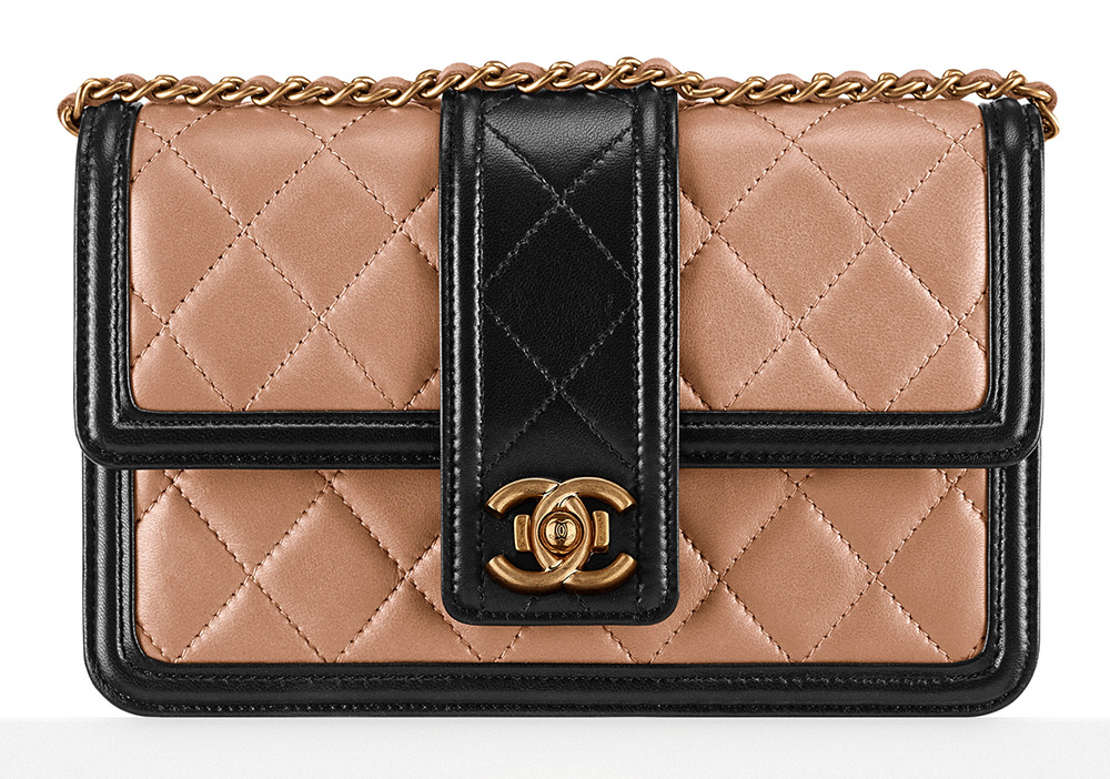 Chanel-Wallet-on-Chain-2400