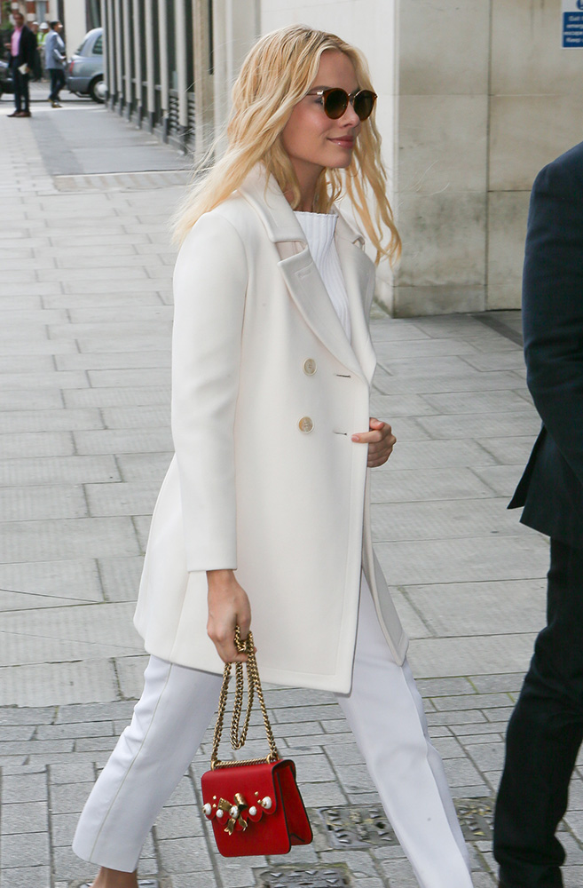 Margot-Robbie-Gucci-Peony-Bag