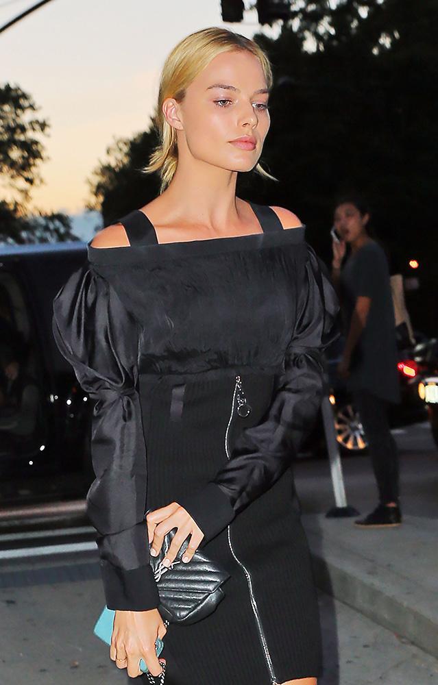 Margot-Robbie-Saint-Laurent-Monogramme-Baby-Bag