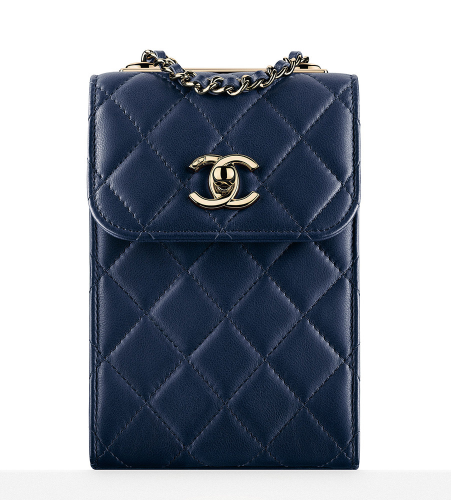 chanel-pouch-with-chain-blue-2000