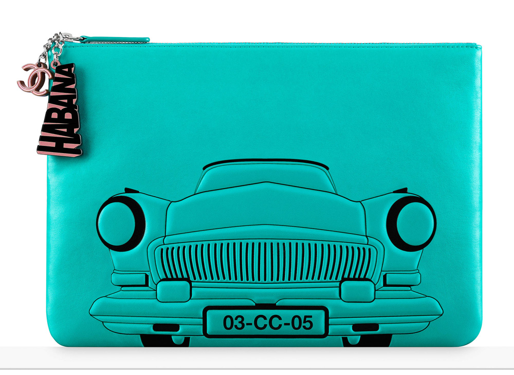 chanel-car-pouch-turquoise-925